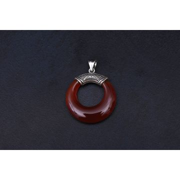 Red Onyx Stone Sterling Silver Pendant (6.3 Grm)