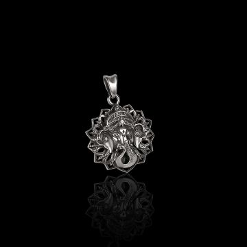 Graceful Ganesha Pendant (21.8 Grm)
